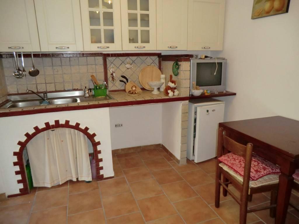 Appartamento in vendita a Vezzano Ligure, 4 locali, zona ano Inferiore, prezzo € 89.000 | PortaleAgenzieImmobiliari.it