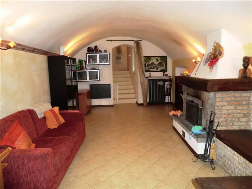 Appartamento in vendita a Beverino, 5 locali, zona varma, prezzo € 130.000 | PortaleAgenzieImmobiliari.it
