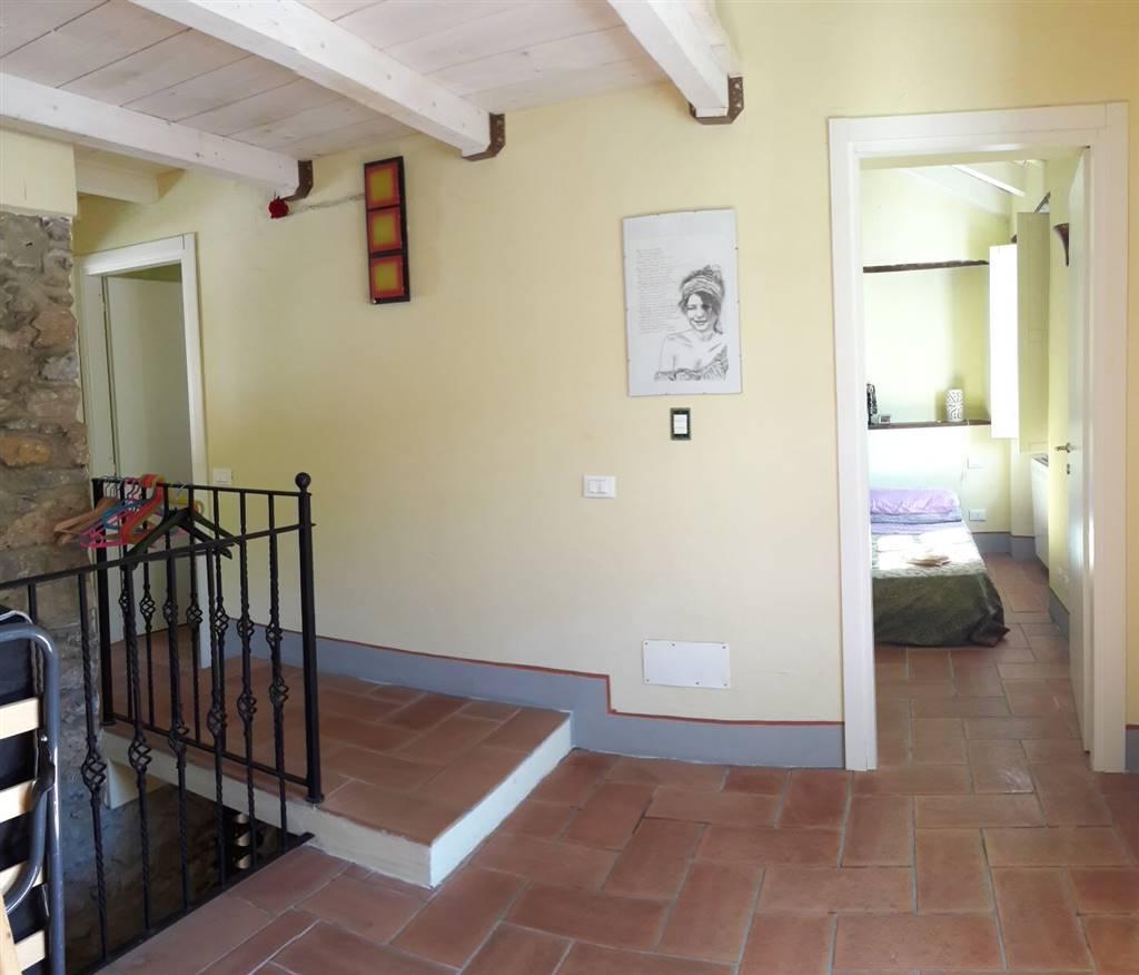 Appartamento in vendita a Riccò del Golfo di Spezia, 3 locali, zona ipino, prezzo € 105.000 | PortaleAgenzieImmobiliari.it