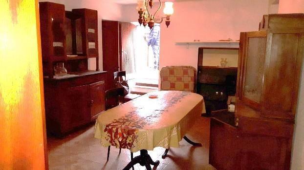 Appartamento in vendita a Follo, 5 locali, zona remoli, prezzo € 90.000 | PortaleAgenzieImmobiliari.it