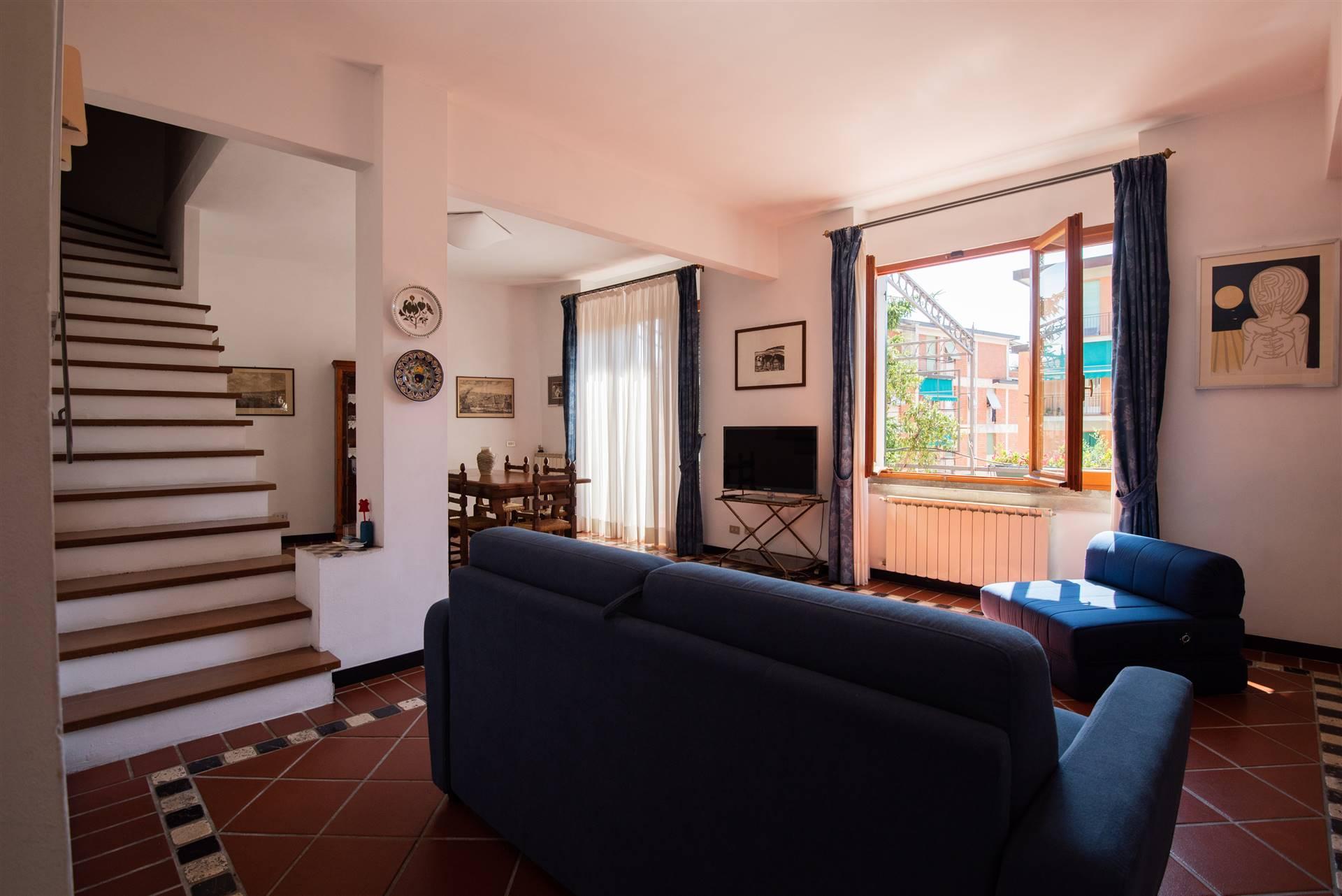 Soluzione Indipendente in affitto a Portovenere, 4 locali, zona razie, prezzo € 1.300   PortaleAgenzieImmobiliari.it