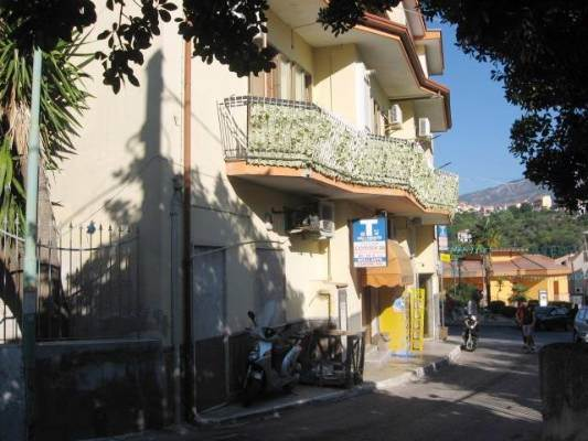 Trilocale in Via Montena  2, Giovi, Salerno
