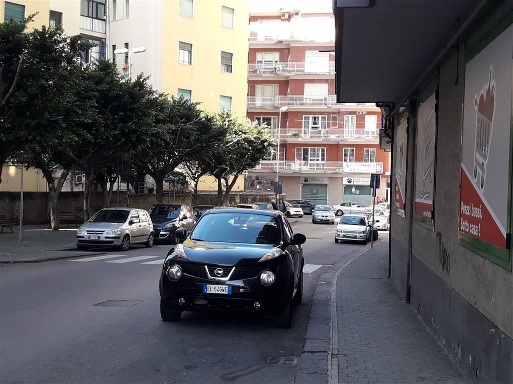 Negozio in Via Lucio Petrone  53, Irno, Salerno