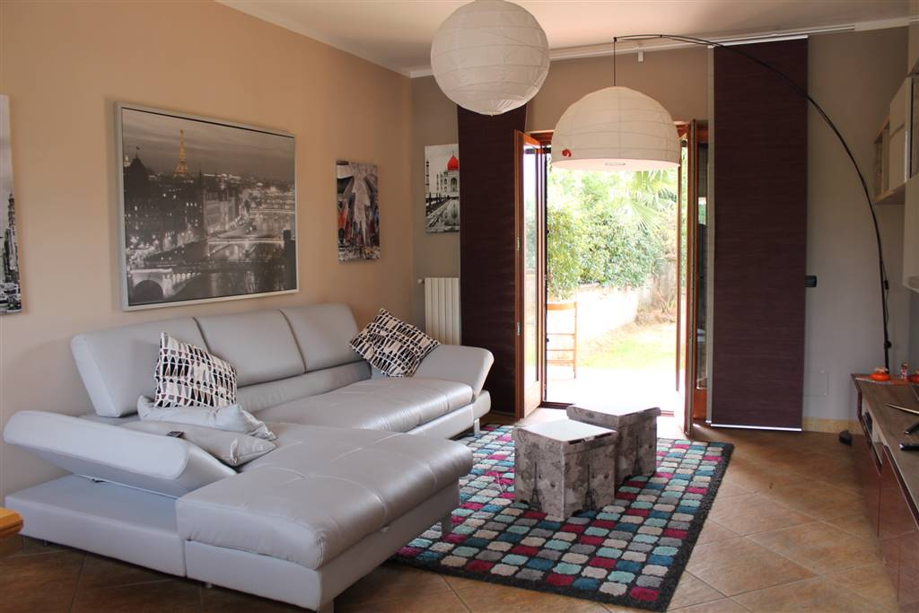 Villa in Via Malche  75, Giffoni Sei Casali