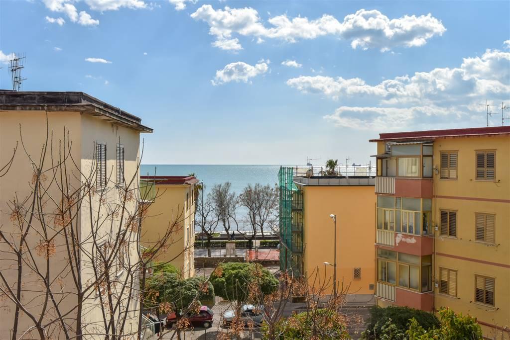 Appartamento in Via G. Amato 1, Torrione, Salerno