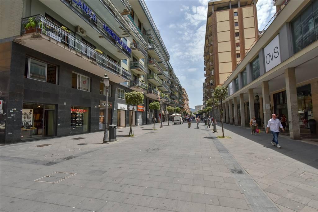 Appartamento in Corso Vittorio Emanuele  58, Centro, Salerno