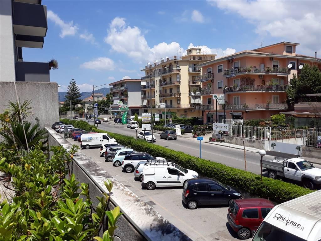 Trilocale in Viale Richard Wagner 28\e, Arbostella, Salerno