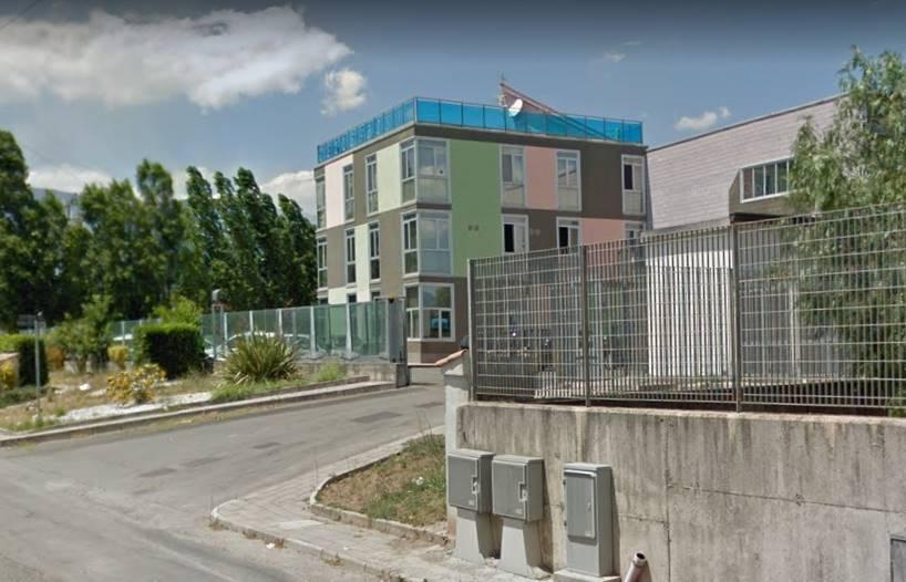 FUORNI, SALERNO, Ufficio in affitto di 210 Mq, Nuova costruzione, Classe energetica: G, Epi: 132,5 kwh/m3 anno, posto al piano 1° su 2, composto da: