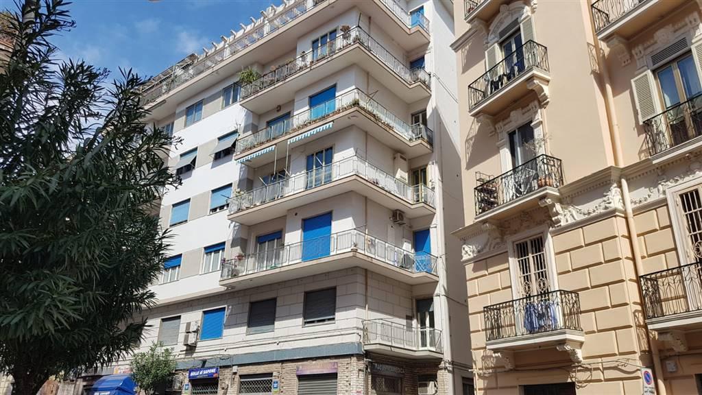 Trilocale in Via Arce 40, Centro, Salerno