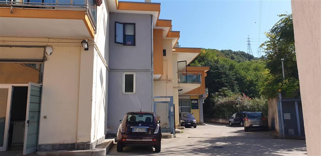 Negozio in Via Dei Greci 150, Fratte, Salerno