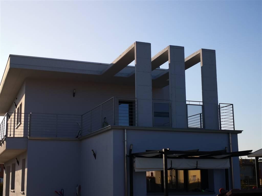 Villa, Molinetto, Parma, in nuova costruzione