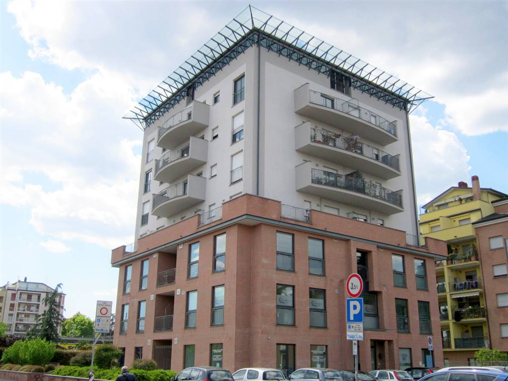 Ufficio / Studio in vendita a Gallarate, 1 locali, zona Zona: Sciarè, prezzo € 185.000 | CambioCasa.it