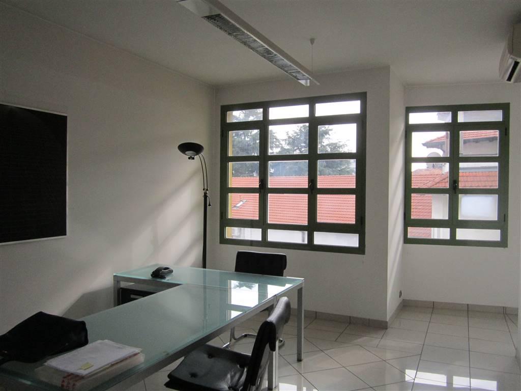 Ufficio / Studio in vendita a Gallarate, 2 locali, zona Zona: Arnate, prezzo € 140.000 | CambioCasa.it