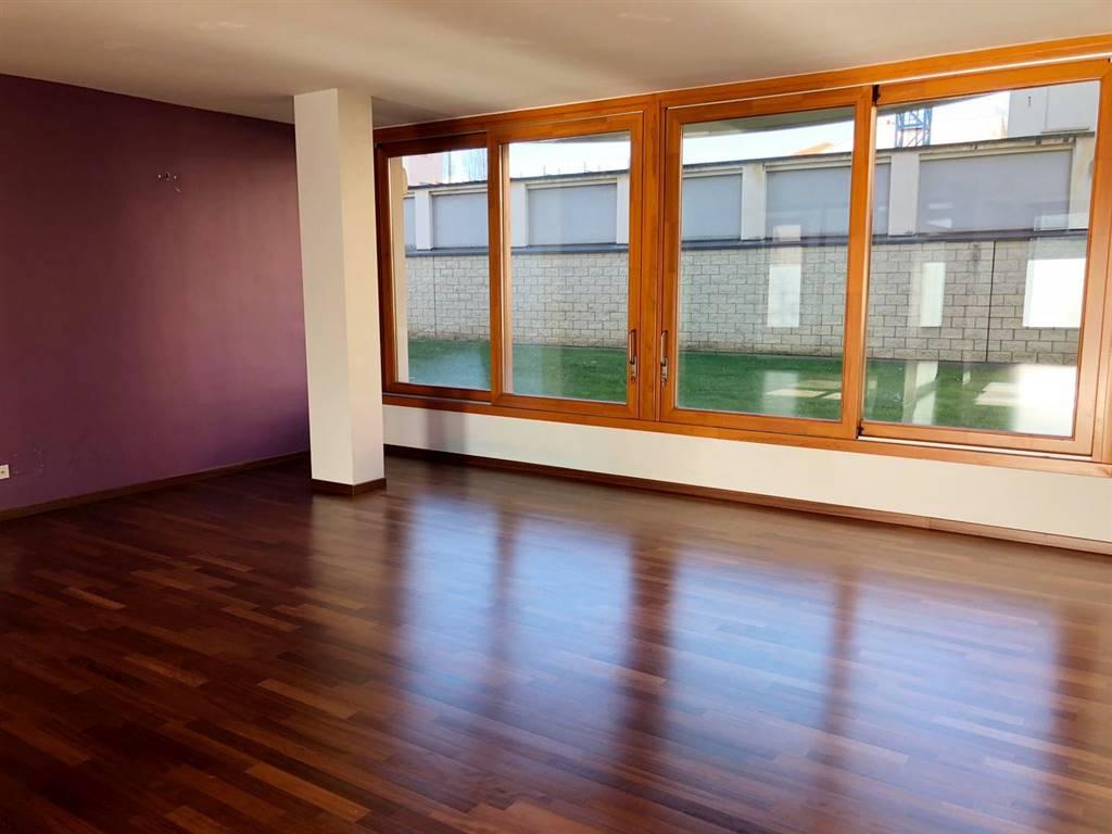 Ufficio / Studio in vendita a Busto Arsizio, 1 locali, prezzo € 175.000 | CambioCasa.it