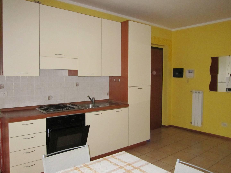 Appartamento in affitto a Gallarate, 2 locali, zona Località: CENTRO, prezzo € 450 | CambioCasa.it