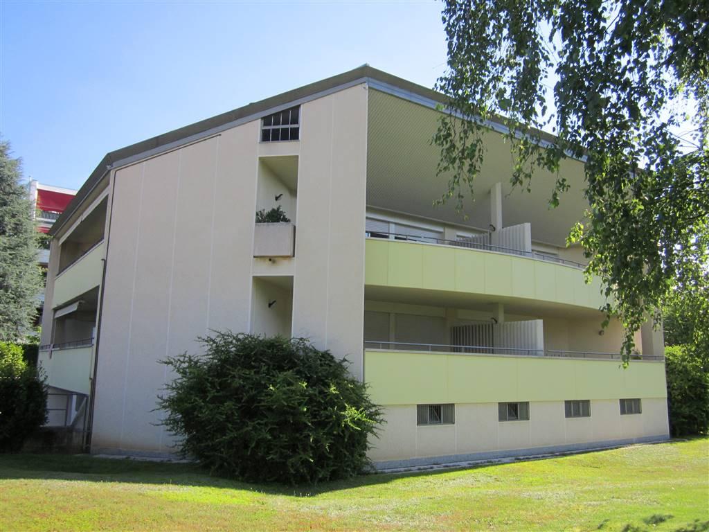 Appartamento in affitto a Gallarate, 4 locali, zona Zona: Ronchi, prezzo € 1.000   CambioCasa.it