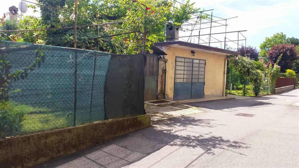 Soluzione Semindipendente in vendita a Cardano al Campo, 5 locali, zona Zona: Moncone, prezzo € 85.000 | CambioCasa.it