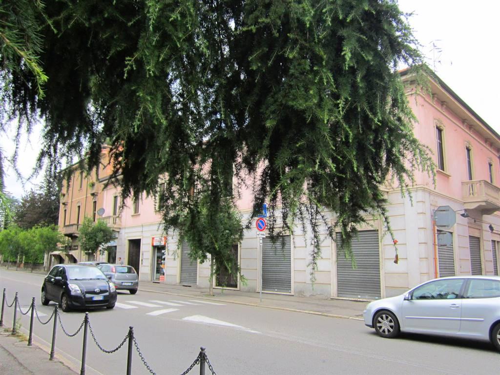 Negozio / Locale in affitto a Gallarate, 1 locali, zona Località: CENTRO, prezzo € 550 | CambioCasa.it