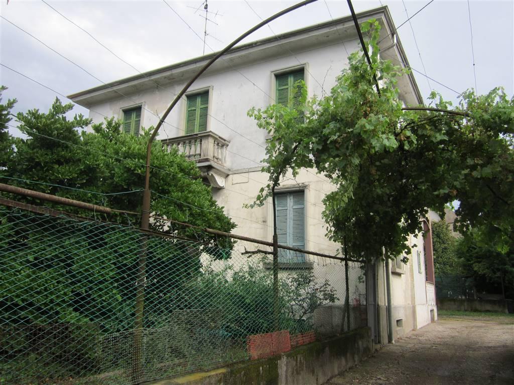 Soluzione Indipendente in vendita a Castellanza, 5 locali, prezzo € 280.000 | CambioCasa.it