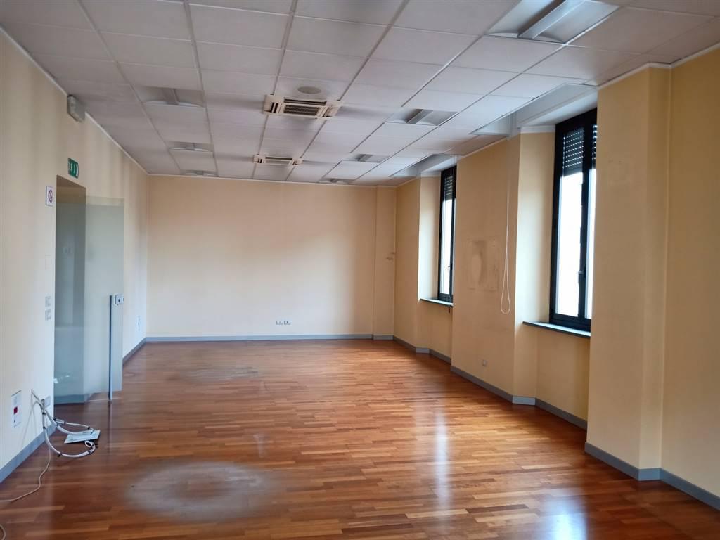 Ufficio / Studio in affitto a Gallarate, 5 locali, zona Località: CENTRO, prezzo € 1.500   PortaleAgenzieImmobiliari.it