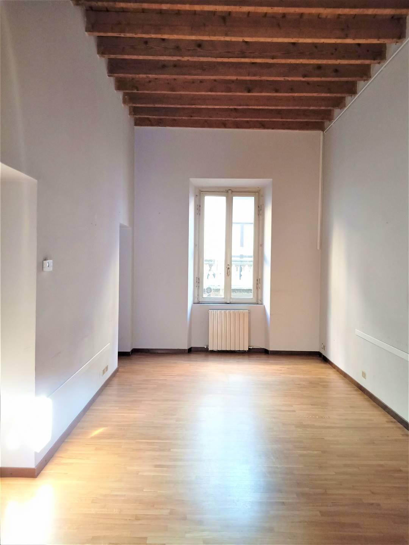 Ufficio / Studio in affitto a Gallarate, 3 locali, zona Località: CENTRO, prezzo € 590   CambioCasa.it