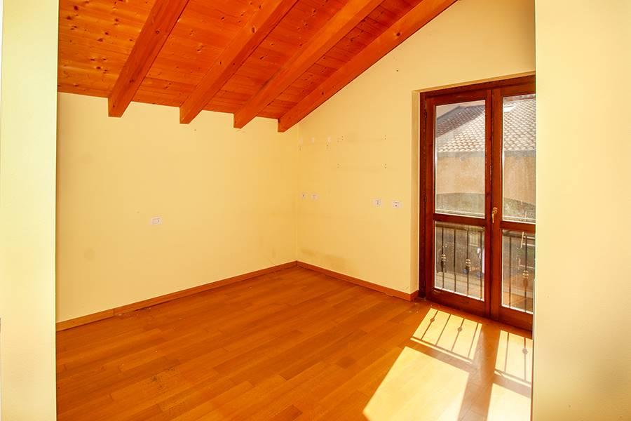 Villa o casa singola in VENDITA a COLICO - 17