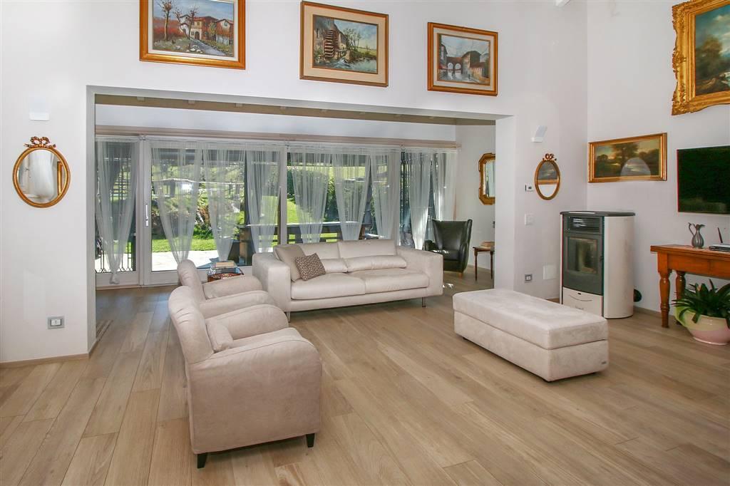 Villa o casa singola in VENDITA a COLICO - 9