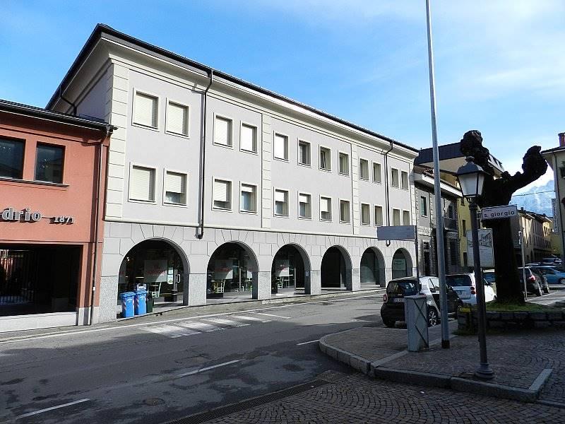Tre o più locali in VENDITA a COLICO - 2