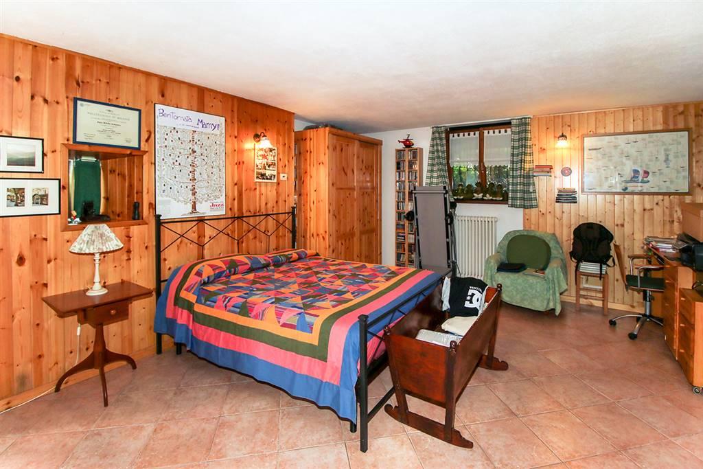 Villa o casa singola in VENDITA a COLICO - 13