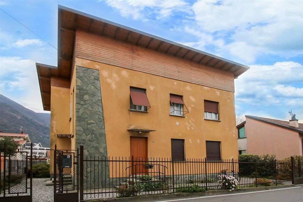 Villa o casa singola in VENDITA a DERVIO - 2