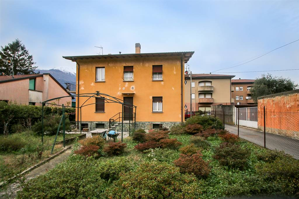Villa o casa singola in VENDITA a DERVIO - 1