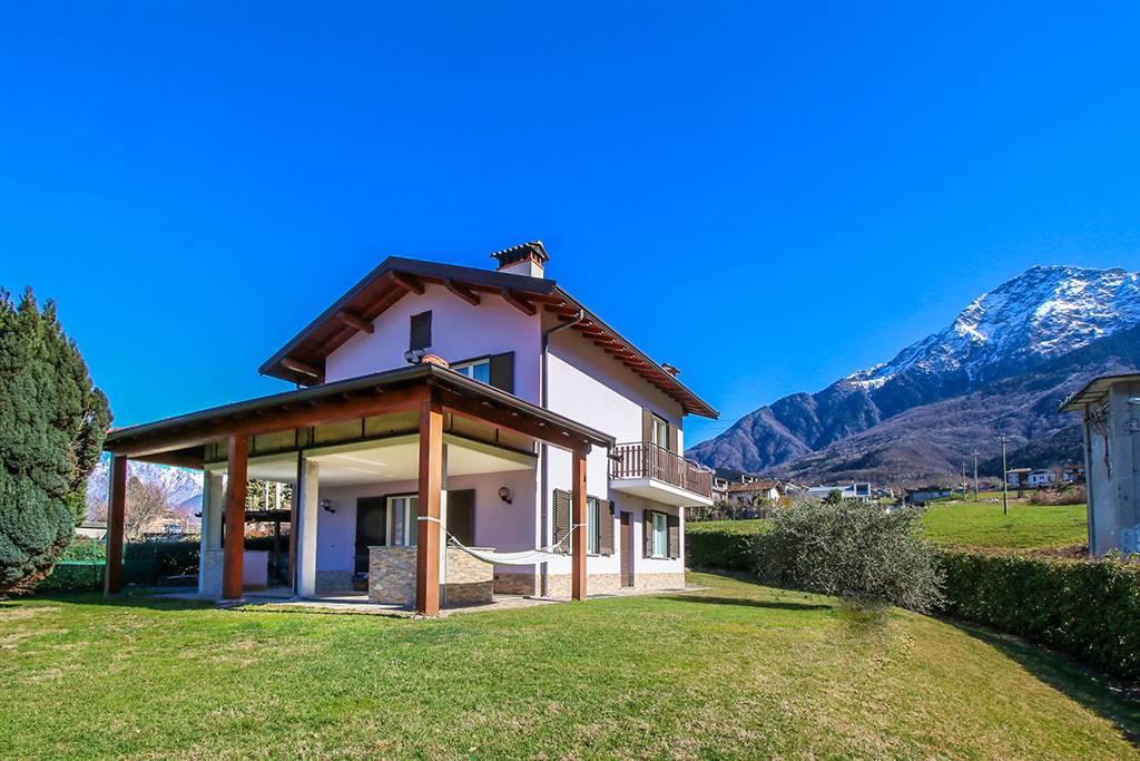 Villa o casa singola in VENDITA a COLICO - 1