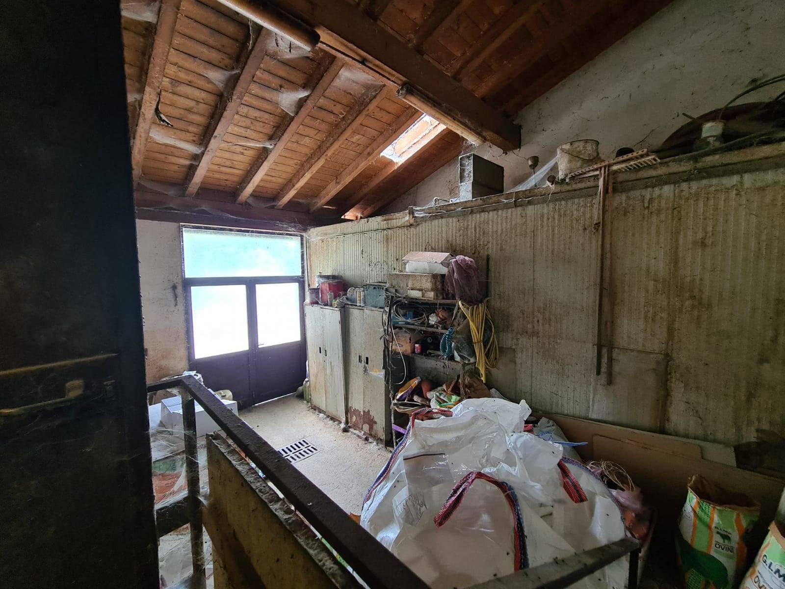 Tre o più locali in VENDITA a COLICO - 23