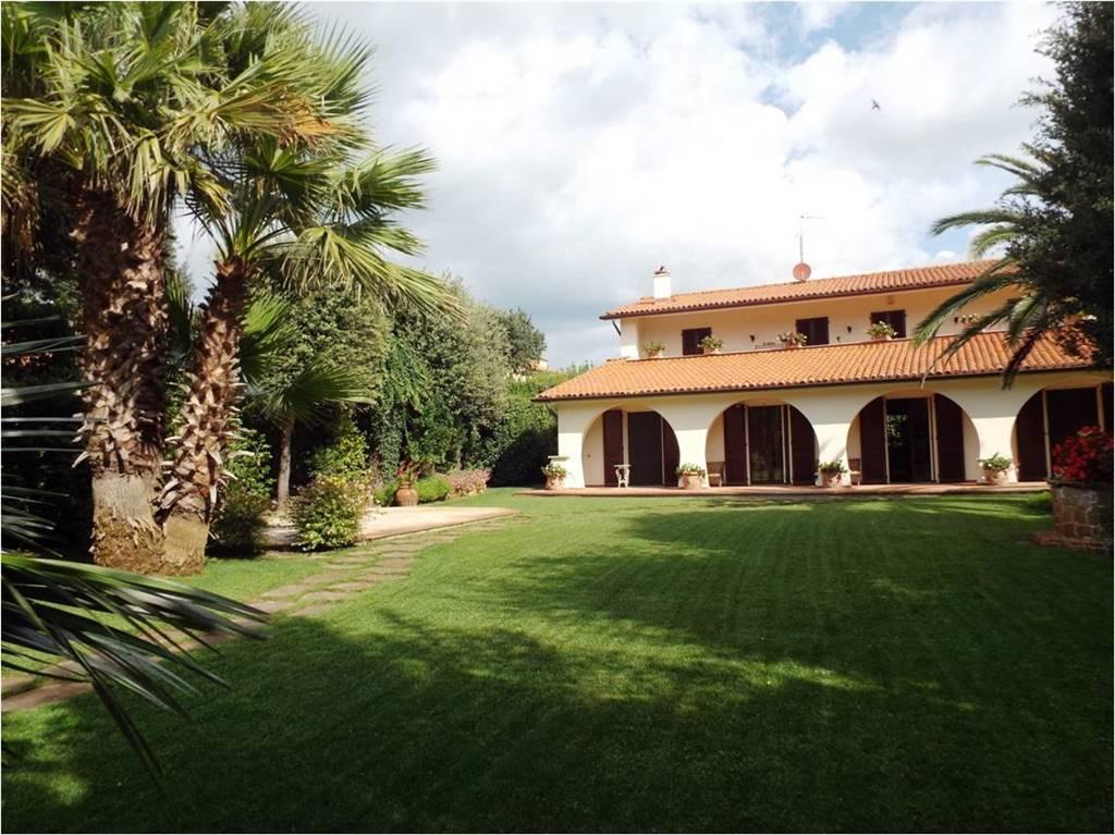 Villa in Viale Vannini, Tirrenia, Pisa