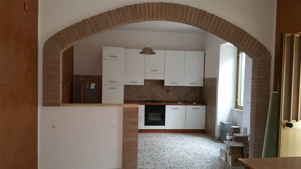 Appartamento indipendente in Via Martiri Del Lavoro 6, Norma