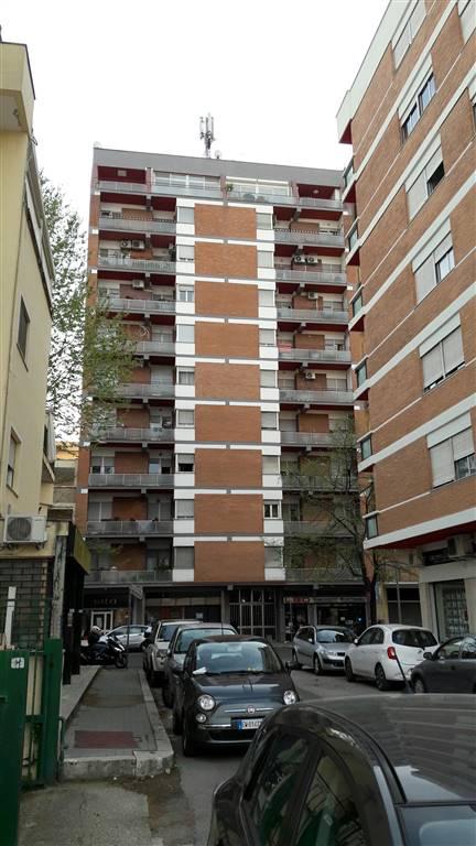 Appartamento in Viale Petrarca 52, Semicentrale, Latina