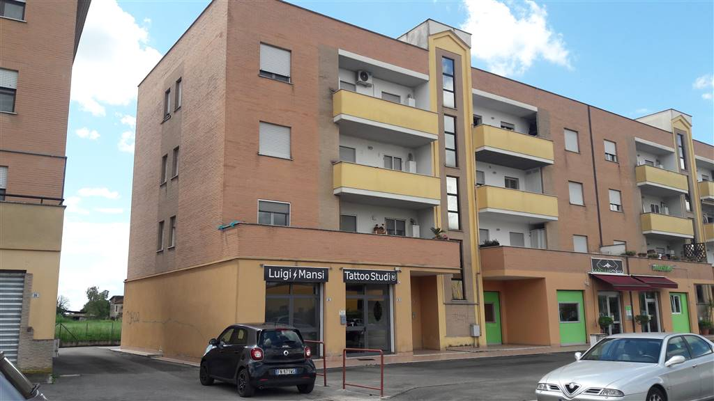 Appartamento in Via Delle Camelie 20, Latina Scalo, Latina