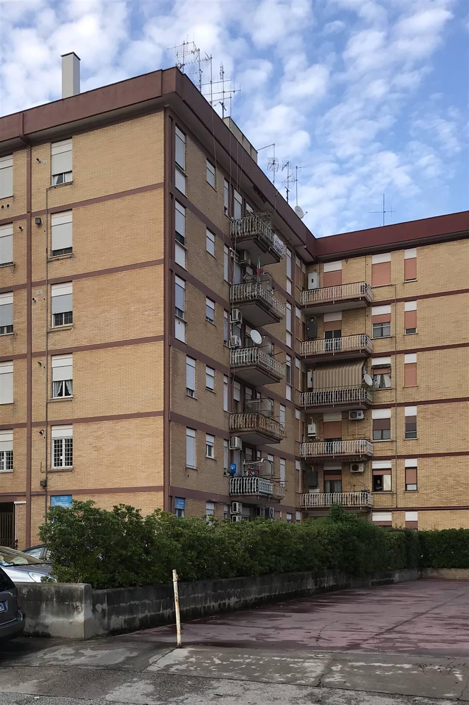 Appartamento in vendita a Cisterna di Latina, 3 locali, prezzo € 100.000   CambioCasa.it