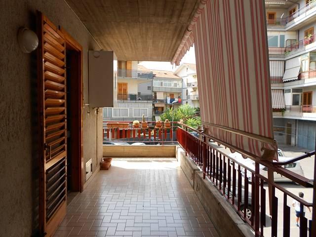 Appartamento in vendita a Aci Catena, 3 locali, zona Località: SAN NICOLÒ, prezzo € 129.000 | CambioCasa.it