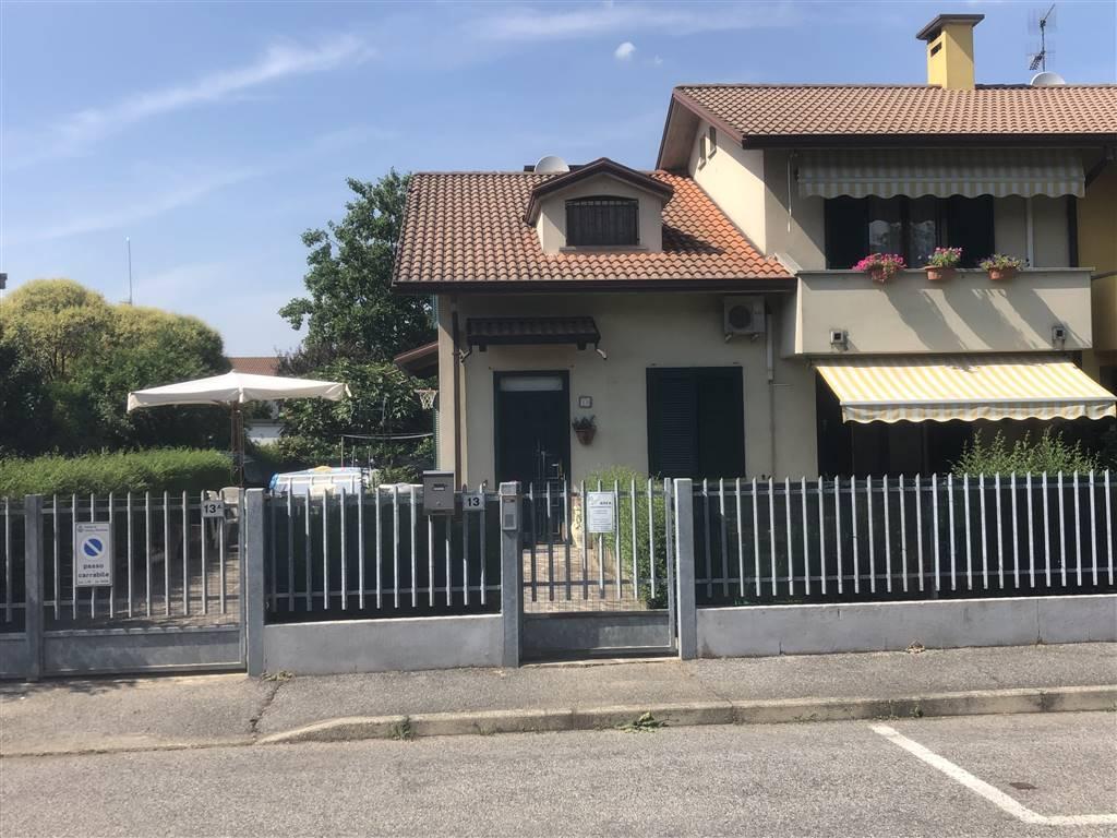 Villa Bifamiliare in vendita a Inverno e Monteleone, 5 locali, zona Zona: Inverno, prezzo € 145.000 | CambioCasa.it