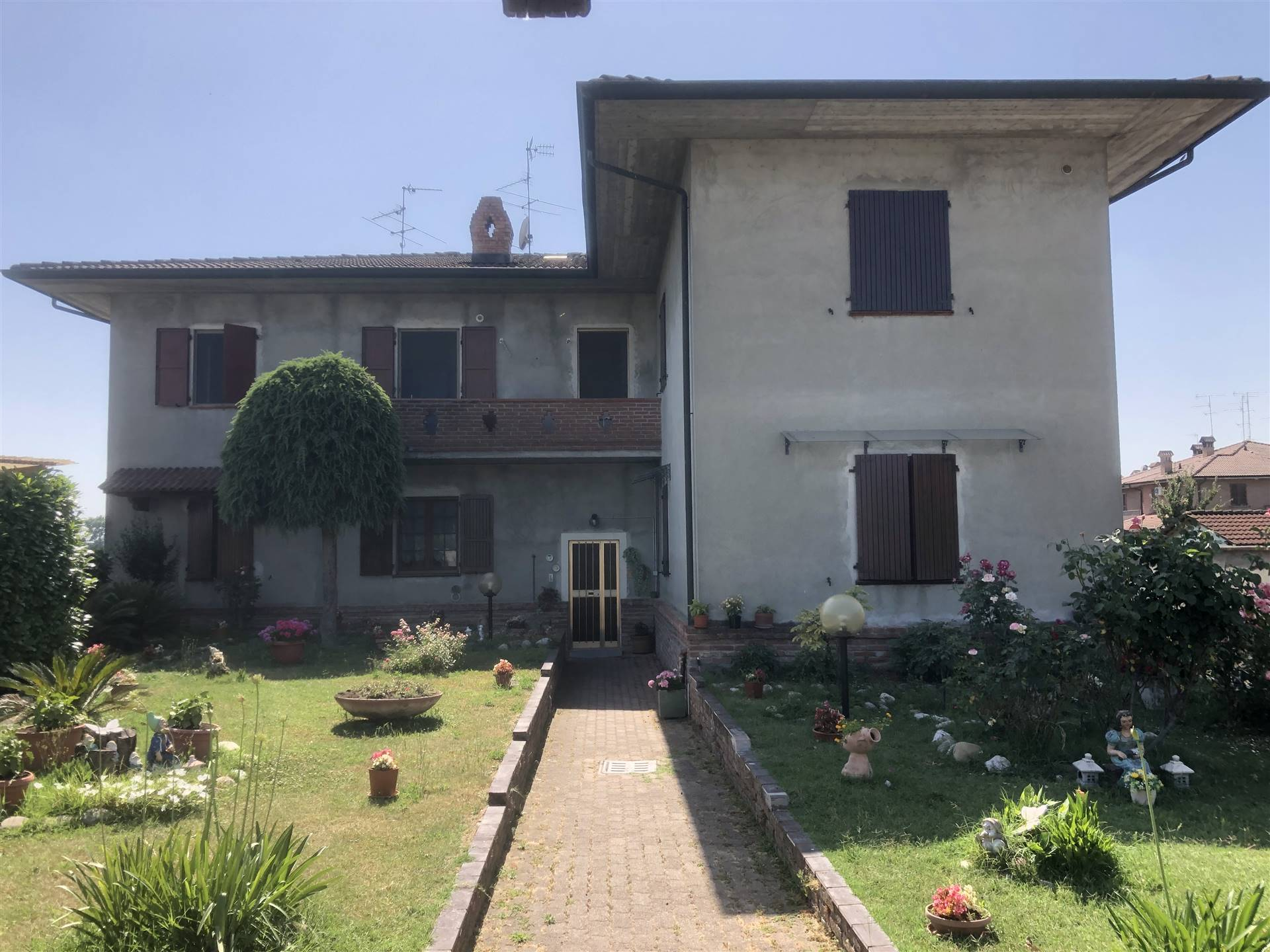 Appartamento in vendita a Borghetto Lodigiano, 3 locali, prezzo € 98.000 | CambioCasa.it