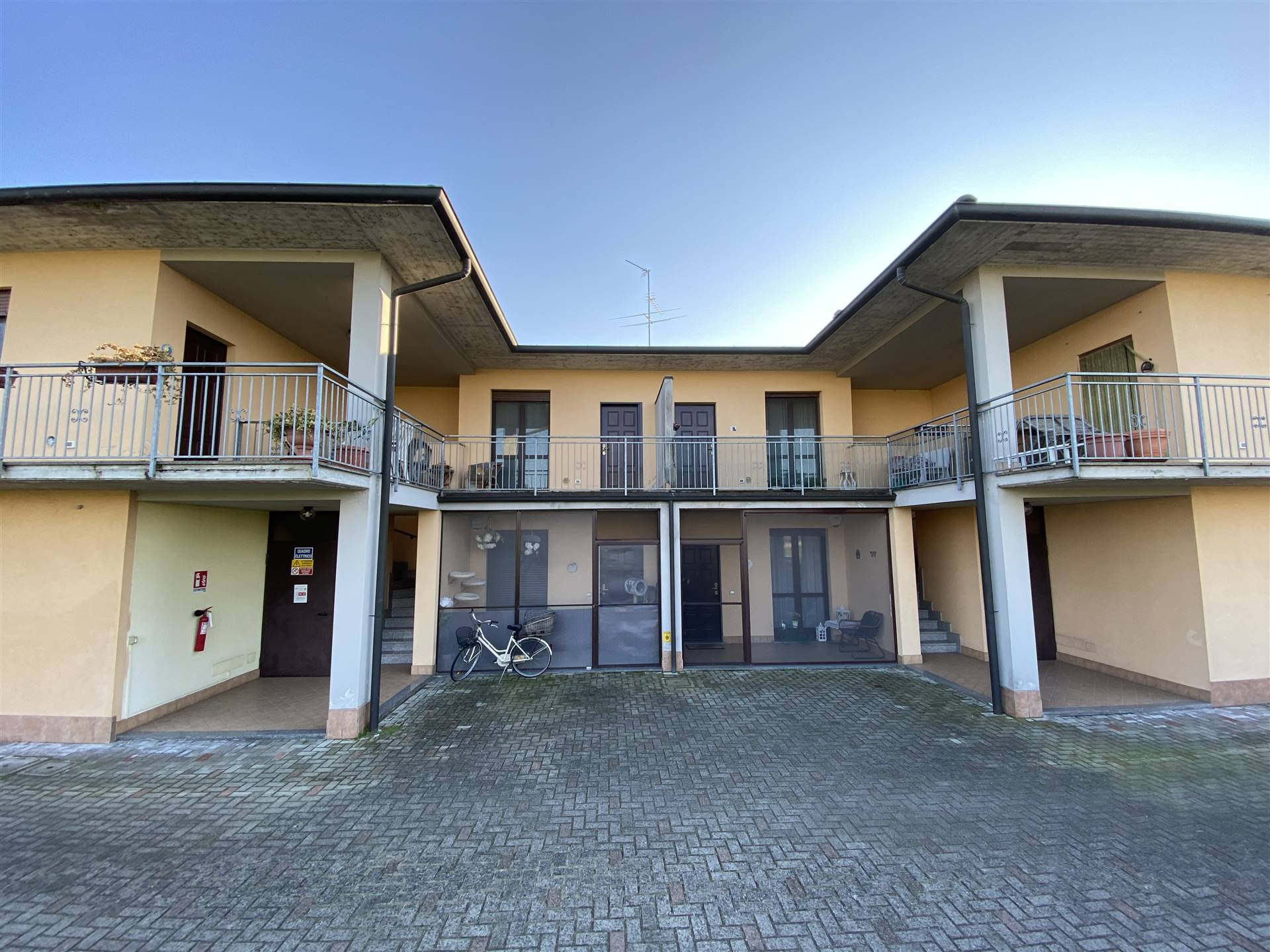 Appartamento in vendita a Gerenzago, 3 locali, prezzo € 83.000   CambioCasa.it