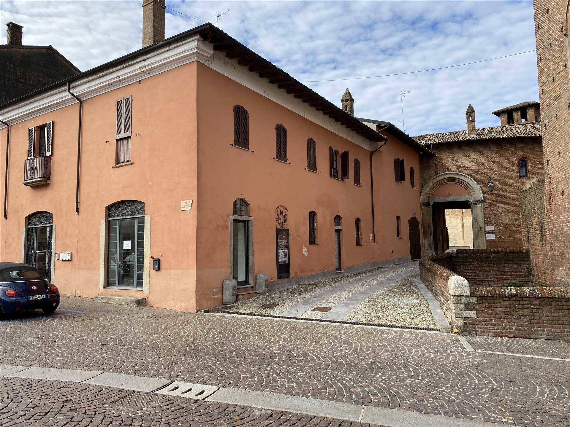 Attività / Licenza in affitto a Sant'Angelo Lodigiano, 3 locali, prezzo € 800   CambioCasa.it