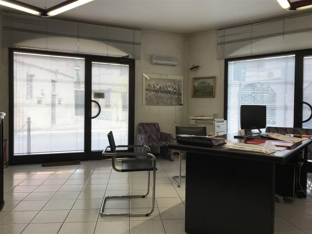 Ufficio / Studio in affitto a Trezzano Rosa, 2 locali, prezzo € 500   PortaleAgenzieImmobiliari.it