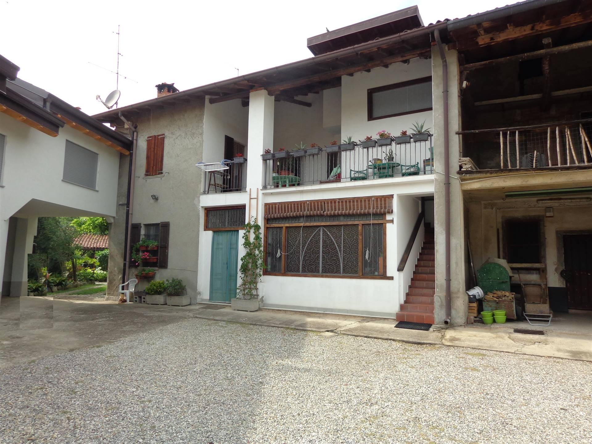 Rustico / Casale in vendita a Osio Sotto, 17 locali, prezzo € 360.000 | PortaleAgenzieImmobiliari.it