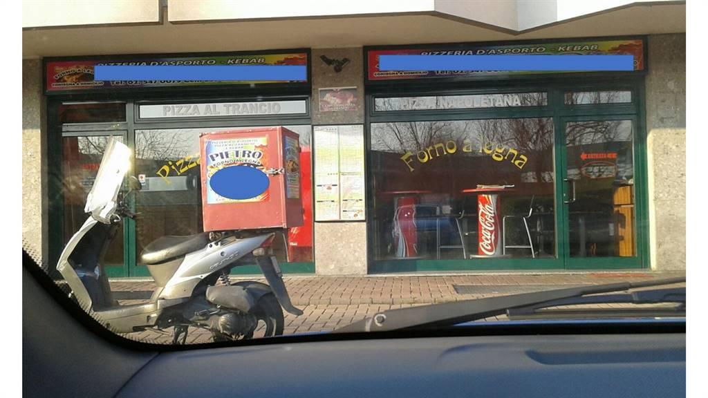 Ristorante / Pizzeria / Trattoria in vendita a Peschiera Borromeo, 9999 locali, prezzo € 69.000 | CambioCasa.it