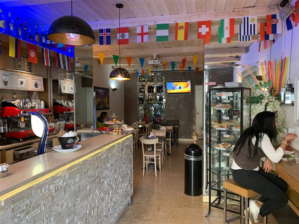 Bar, Milano