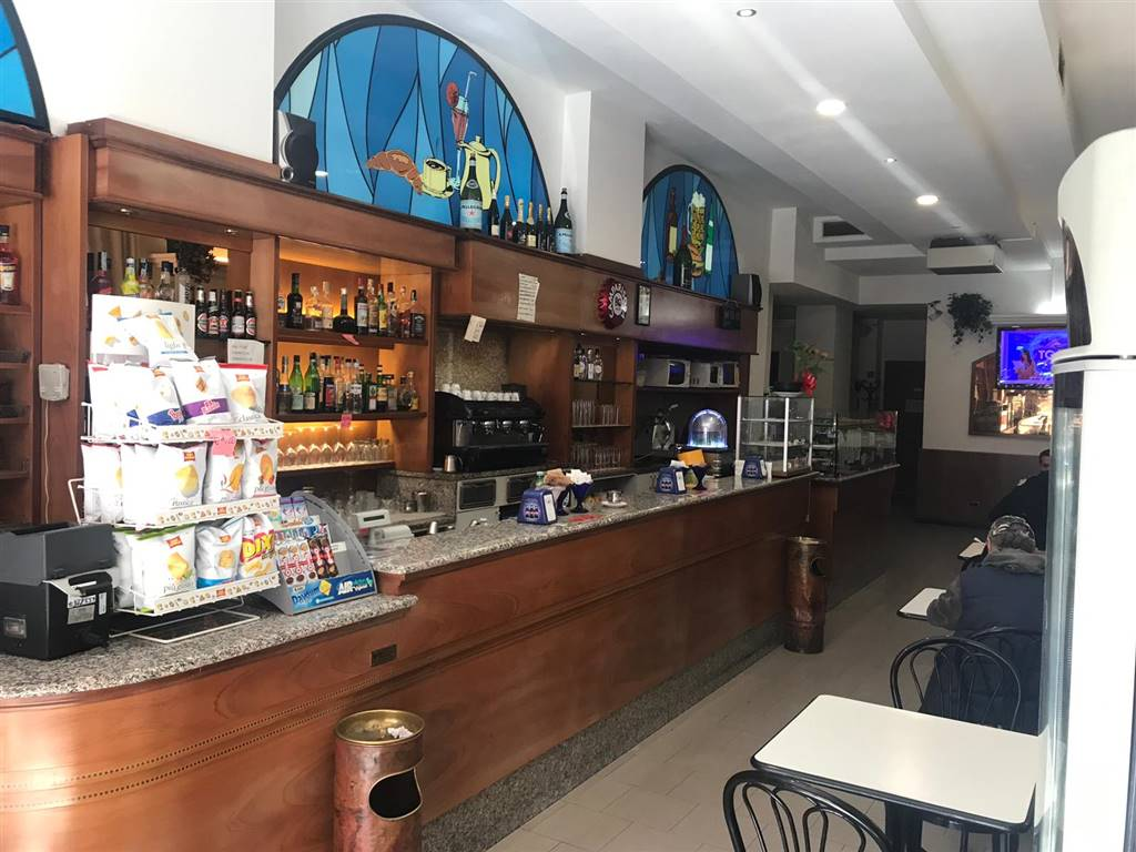 Bar, Milano
