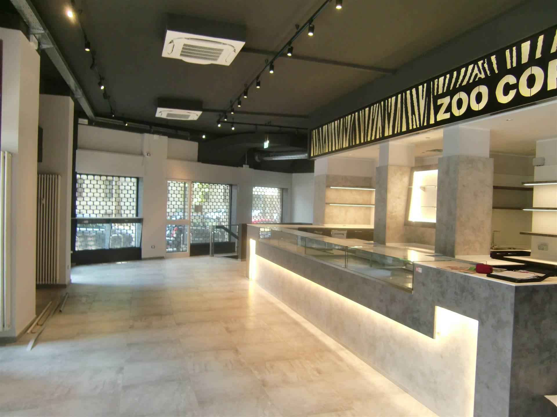 CITTÀ STUDI, MILANO, Bar - Pasticceria in vendita di 300 Mq, Classe energetica: Non soggetto, composto da: 4 Vani, 3 Bagni, Prezzo: € 160.000