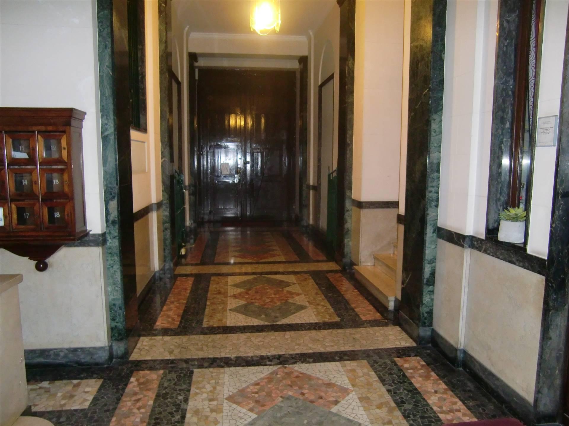 STAZIONE CENTRALE, MILANO, Ufficio in affitto di 80 Mq, Riscaldamento Centralizzato, Classe energetica: G, Epi: 338,63 kwh/m3 anno, posto al piano